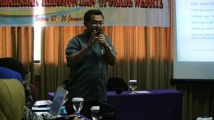 Saat presentasi pemanfaatan e-learning pada acara Balai Diklat Tambang Bawah Tanah, Batam. 28 Januari 2014 #2