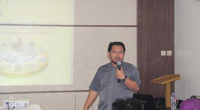 Menjadi Narasumber Pemanfaatan Sistem Informasi di Palangkaraya