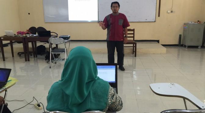 Menjadi Narasumber di Pelatihan Peningkatan Kompetensi Guru TIK Banten