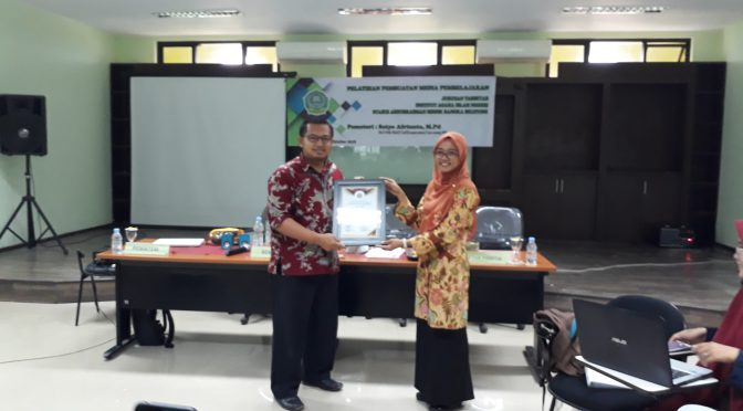 Menjadi Pemateri Perancangan dan Pembuatan Media Pembelajaran di IAIN Bangka Belitung